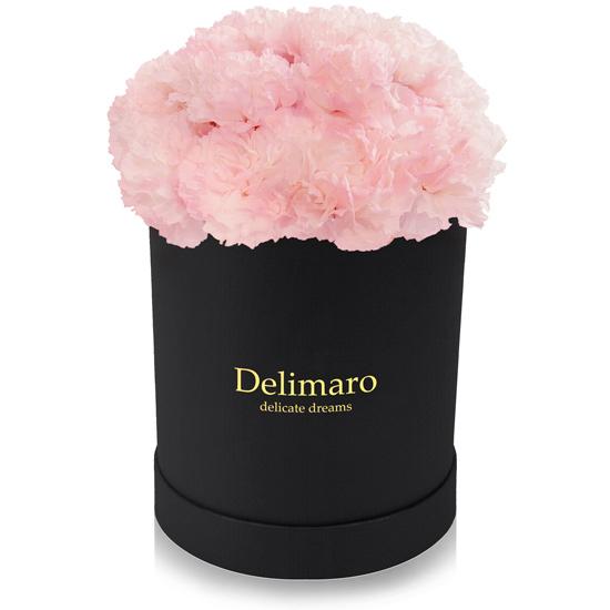 flowerbox, kwiaty w pudełku,różowe goździki w czarnym pudełku