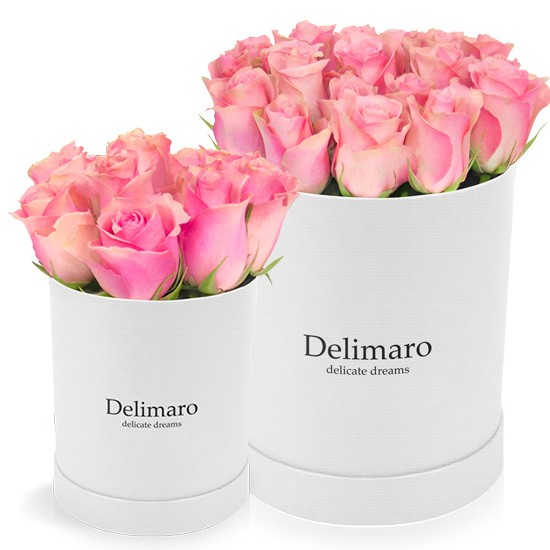 Pink roses in white box, flowers in round box, delimaro box