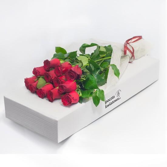 12 czerwonych róż w kartonie
