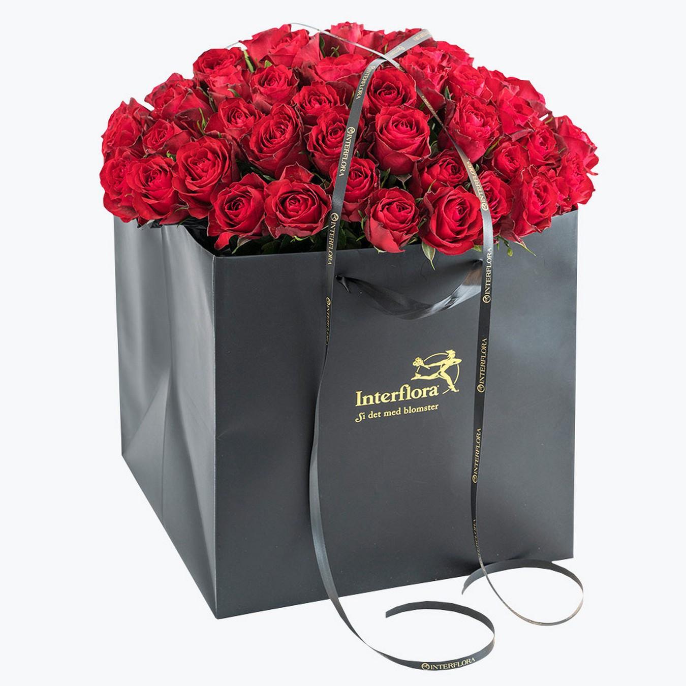 60 Róż W Pudełku Wyślij Prezent Kwiaty Do Norwegii Poczta