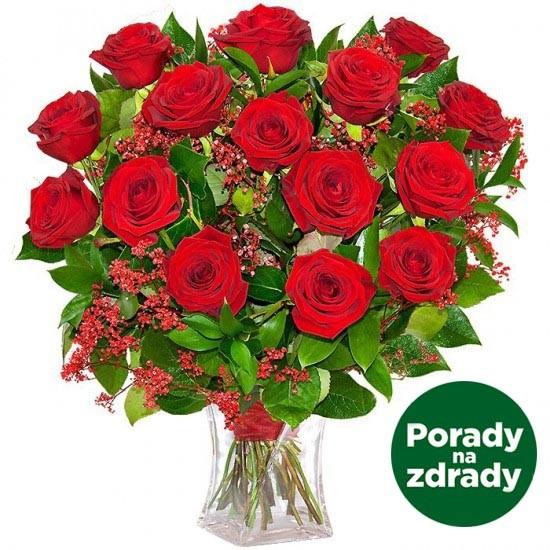 bukiet romantyczny wieczór, bukiet kwiatów w szklanej wazie, 15 czerwonych róż, czerwona gipsówka, zieleń dekoracyjna