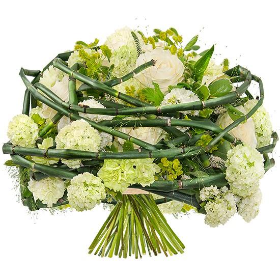 bukiet pętla uczuć, bukiet zielono- białych kwiatów opleciony zielenią dekoracyjną