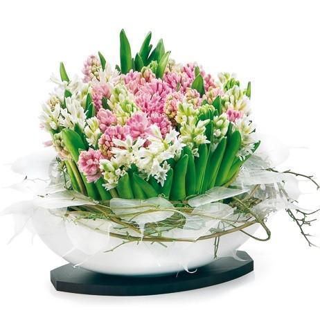 Kwiaty w naczyniu, kompozycja hiacyntów ciętych i wierzby, Kompozycja z hiacyntów