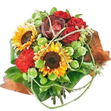 Kompozycja żółtych słoneczników, czerwonych róż, białych goździków, czerwonej kapusty ozdobnej, santini, Kwiaty Lazurowe Wybrzeże