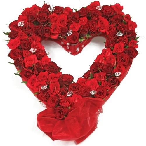 Kompozycja Gorące serce, czerwone róże z kryształkami, czerwone kwiaty w kształcie serca