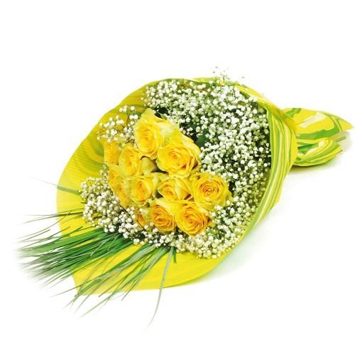 bukiet dziękuję ci za wszystko, bukiet żółtych róż z gipsówką, 13 żółtych róż, trawa, bukiet w żółto-zielonym papierze