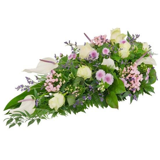 Wiązanka Zorza, wiązanka z anturium, buwardii, chryzantem, limonium, róż kremowych, zieleni dekoracyjnej, kwiaty na ostatnie pożegnanie