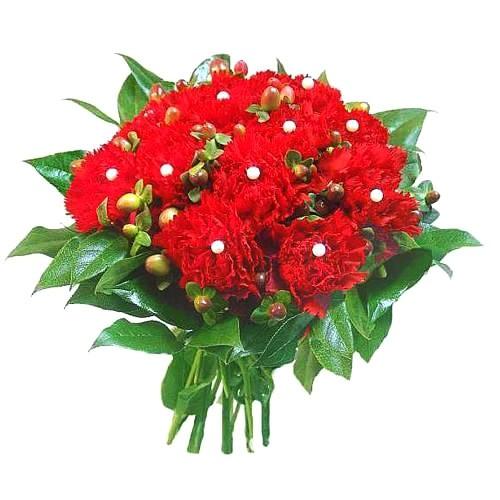 kwiaty - goździki, bukiet kwiatów z czerwonych goździków, hiperikum, liść orzecha, 11 goździków