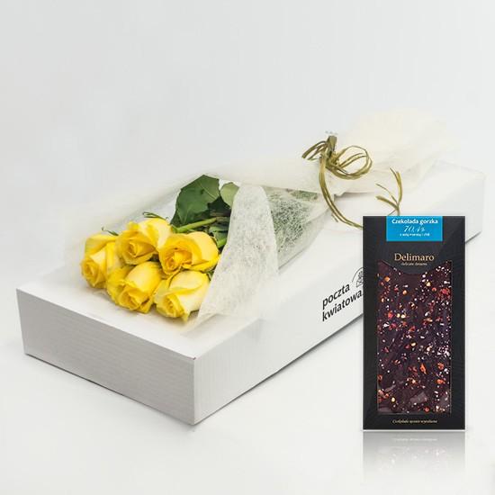 5 żółtych róż z czekoladą w kartonie