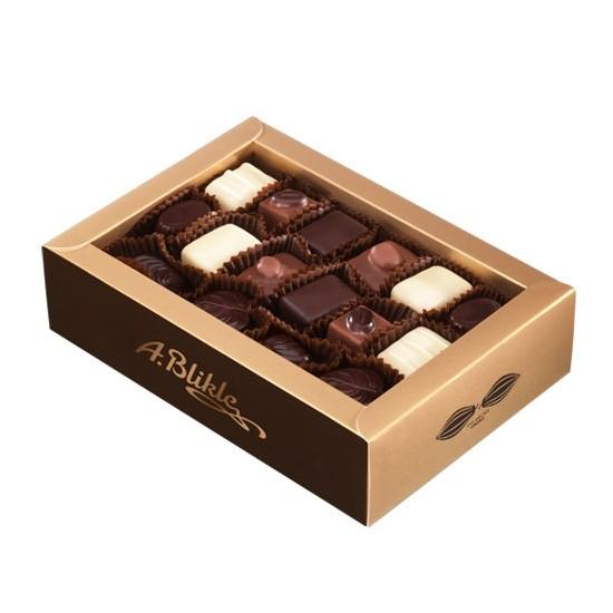 Zestaw herbat i czekoladek w eleganckim pudełeczku