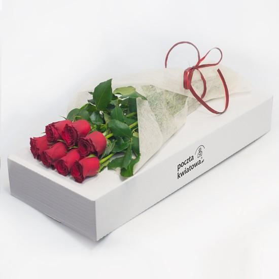 7 czerwonych róż w kartonie