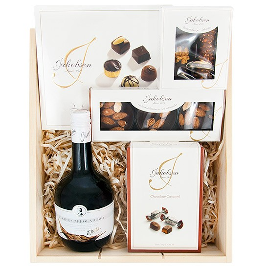 Jakobsen set with engraving, Wedel chocolate liqueur, chocolates and Jacobsen liqueur in engraved box
