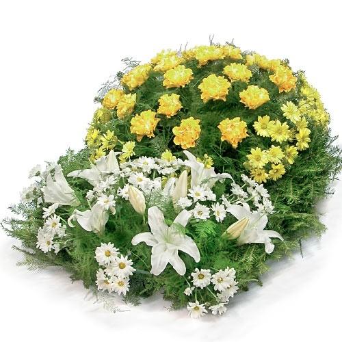 Wieniec pogrzebowy, wieniec z żółtych róż, żłótych chryzantem, białych lilii, wieniec na pogrzeb