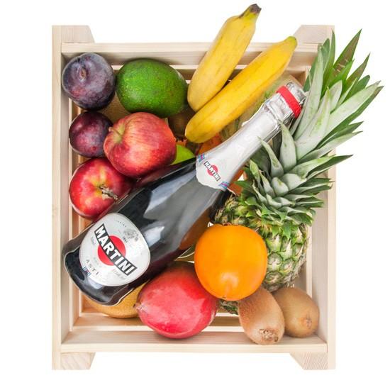 Skrzynka owoców z szampanem, drewniana skrzynka owoców z szampanem martini