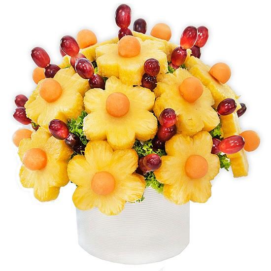 bukiet owocowy, prezent dla mamy, winogrona, ananas, melon