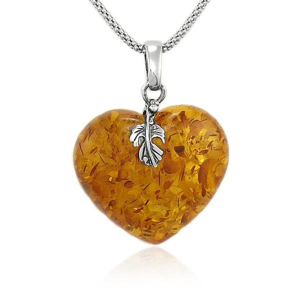 Naszyjnik serce z bursztynem, bursztynowe serduszko jako zawieszka na srebrnym łańcuszku