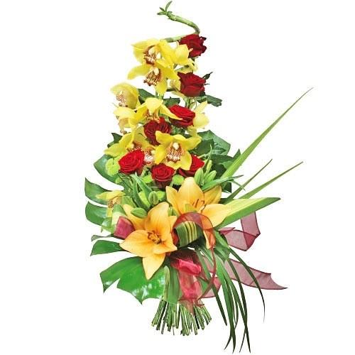 bukiet awans, bukiet kwiatów, bukiet z bymbidium, róże, lilie, zieleń dekoracyjna, czerwona wstążka