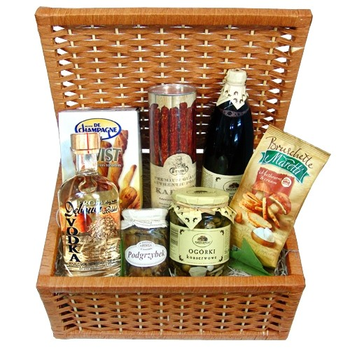 fun feast box, oak poland vodka, traditional thin dry sausages, bruschetta mushrooms, butter and cheese sticks, black currant nectar, pickles, wicker closing box