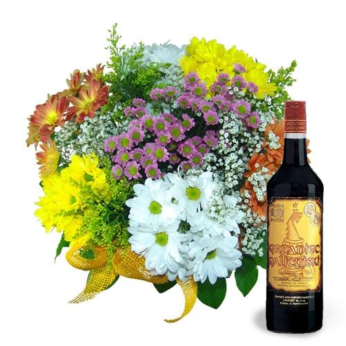 Kwiaty rozgrzewające, kolorowy bukiet z grzanym winem, kolorowe margaretki z dodatkami