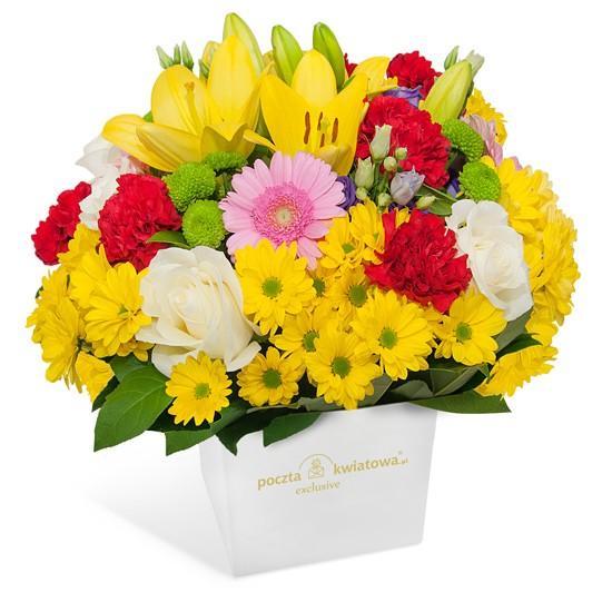 kompozycja złoty pejzaż, kompozycja w białym pudełku, pomarańczowe lilie, santini różowe, czerwone goździki