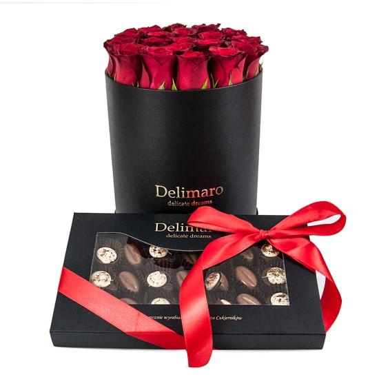Róże z czekoladkami, Flowerbox z pralinami, czerwone róże w czarnym pudełku z kawowymi czekoladkami
