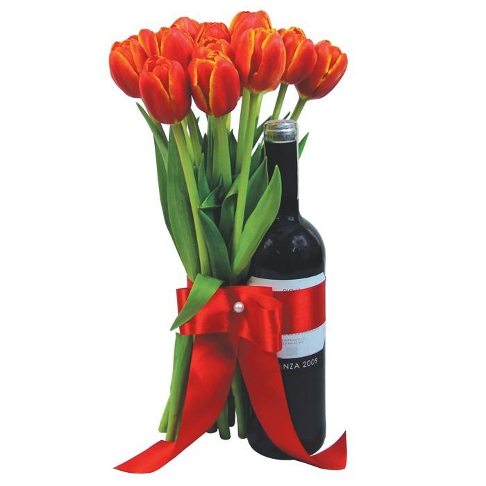 Ciepłe Pozdrowienia, 11 czerwonych tulipanów, bukiet tulipanów z winem