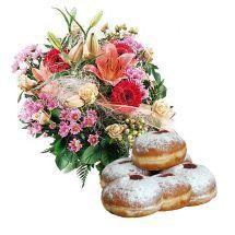 Kwiaty Miłego dnia z pączkami, bukiet kolorowych kwiatów z pączkami, lilie i gerbery w bukiecie