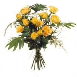 12 Żółtych róż z zielenią