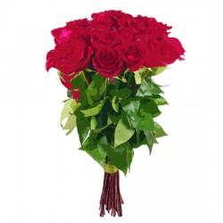 12 średnich róż