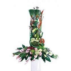 Kompozycja kwiatów mieszanych