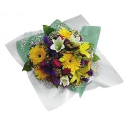 Bukiet mieszanych kwiatów kolorowych