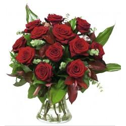 Klasyczny bukiet czerwonych róż