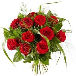 Piękny bukiet czerwonych róż