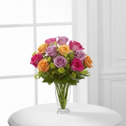 The Pure Enchantment™ bukiet róż z wazonem