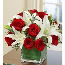 Kompozycja z czerwonych róż i białych lili