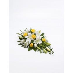 Wieniec z lilii i róż