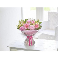 Romantyczne peonie i lilie