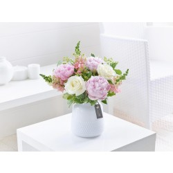 Bukiet peonii i róż
