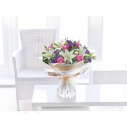 Liliowy bukiet kwiatów