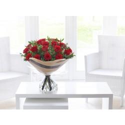 20 czerwonych róż w bukiecie
