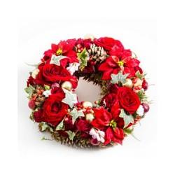 Świąteczny wieniec z kwiatami
