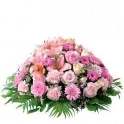 Różowa poduszka z kwiatów