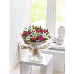Bukiet z róż, lilii i gerber