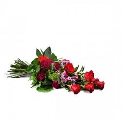 Wiązanka z czerwonymi różami