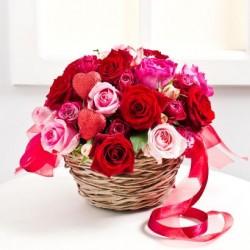 Kwiatowa kompozycja na Walentynki