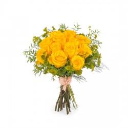 12 krótkich żółtych róż