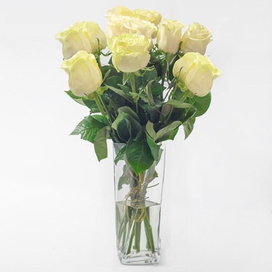 12 białych róż