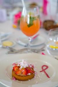 Różowy deser
