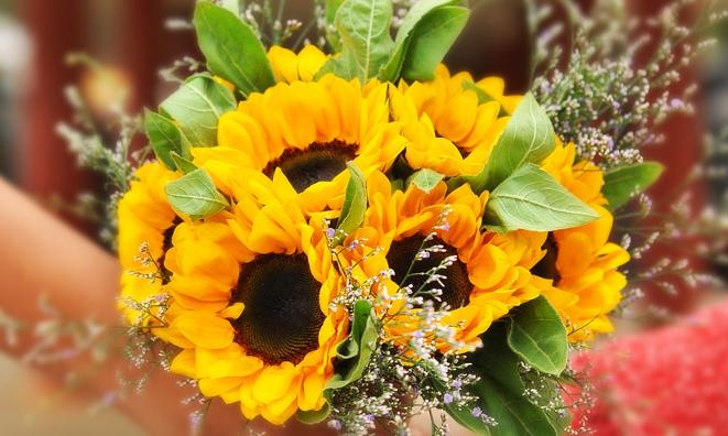 ślubny bukiet ze słonecznikami