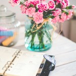 Dlaczego warto mieć świeże kwiaty w biurze?